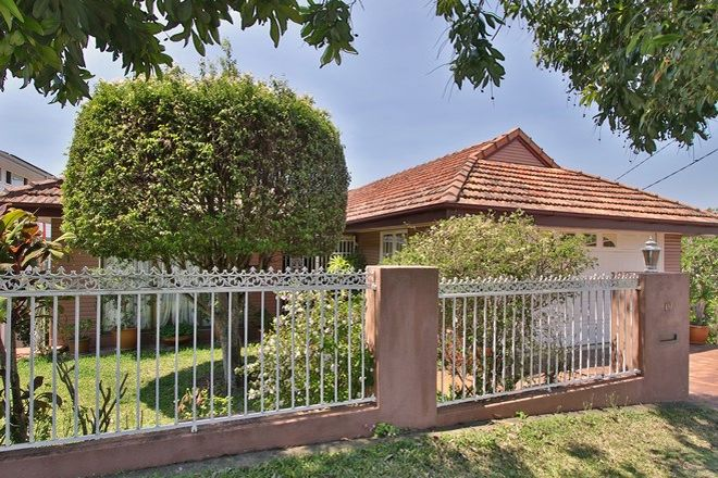 Picture of 19 Paxton Street, HOLLAND PARK QLD 4121