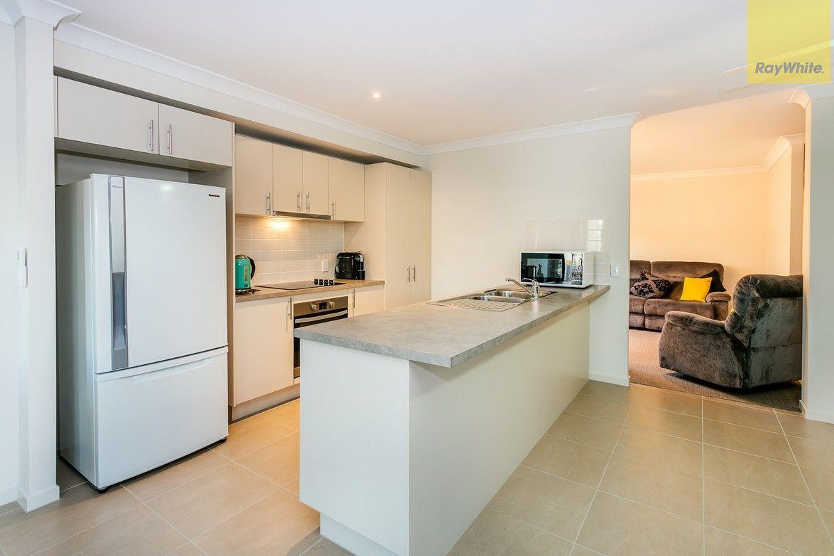 27 Mount Archer Road, Park Ridge QLD 4125, Image 2