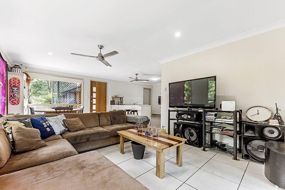2/13 Napper  Road, Arundel QLD 4214, Image 2