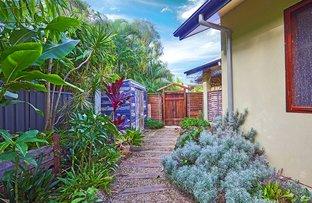 9 Palmer Ave, Ocean Shores NSW 2483