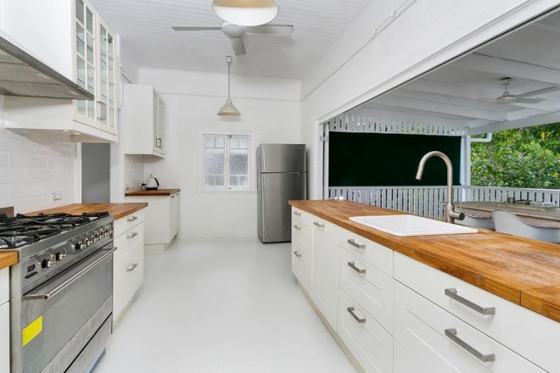 92 Woodward Street, Edge Hill QLD 4870, Image 2