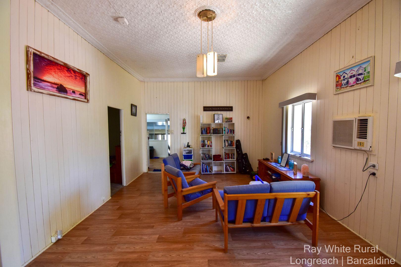 35 Wompoo Road, Longreach QLD 4730, Image 2
