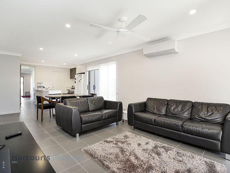 92 Gardenia Circuit, Dakabin QLD 4503, Image 2
