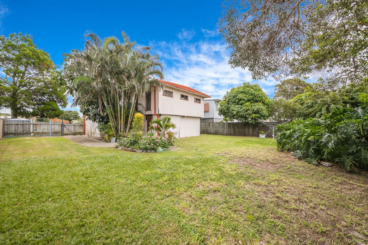 19 Crouch Avenue, Bongaree QLD 4507, Image 2