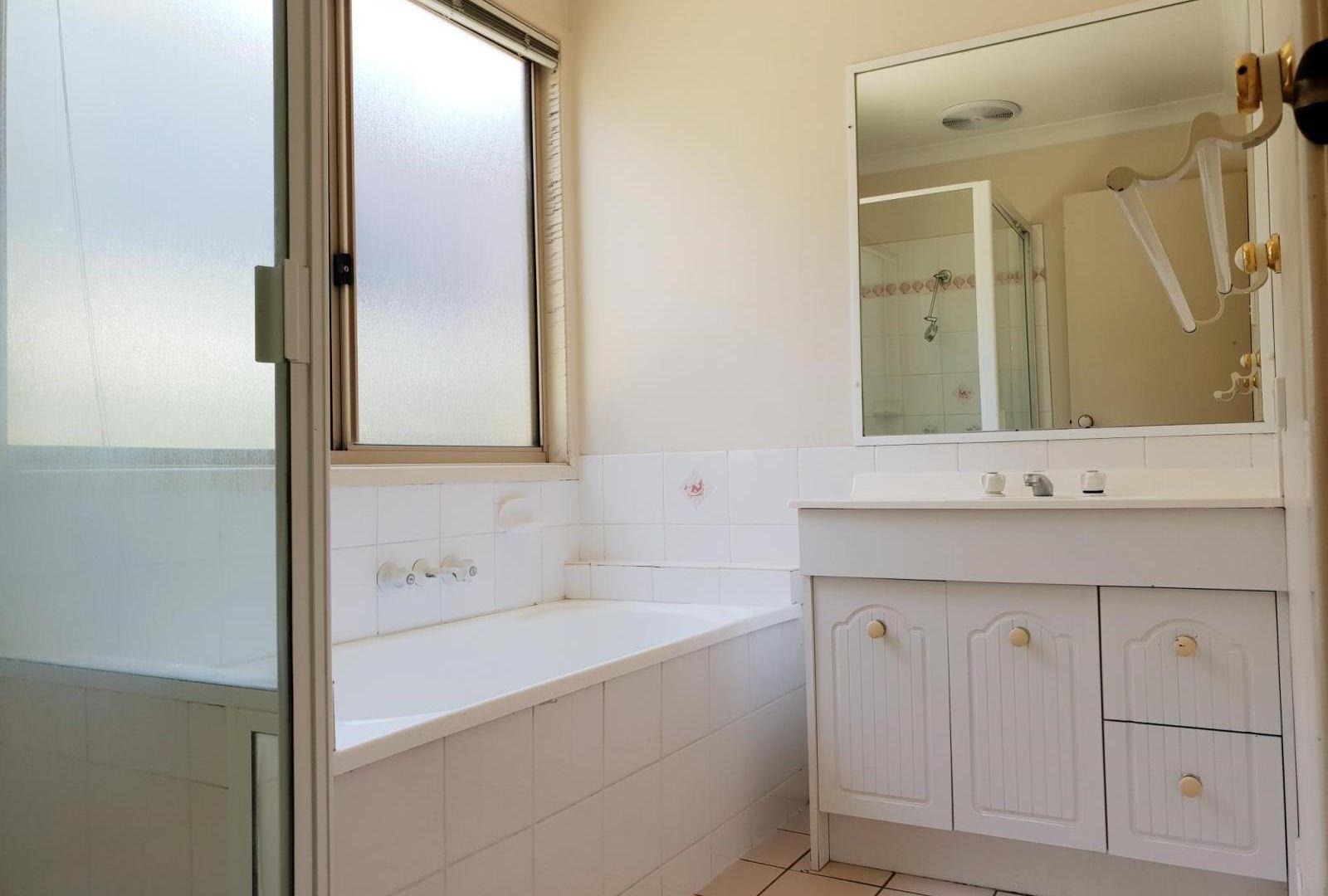 13 Picot Street, Runcorn QLD 4113, Image 2