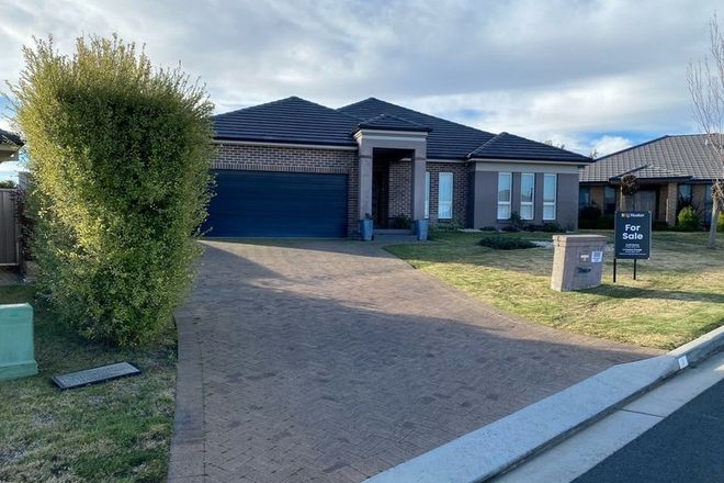Picture of 3 Gregory Place, ORANGE NSW 2800