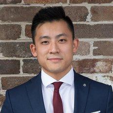 Daniel Lo, Sales representative