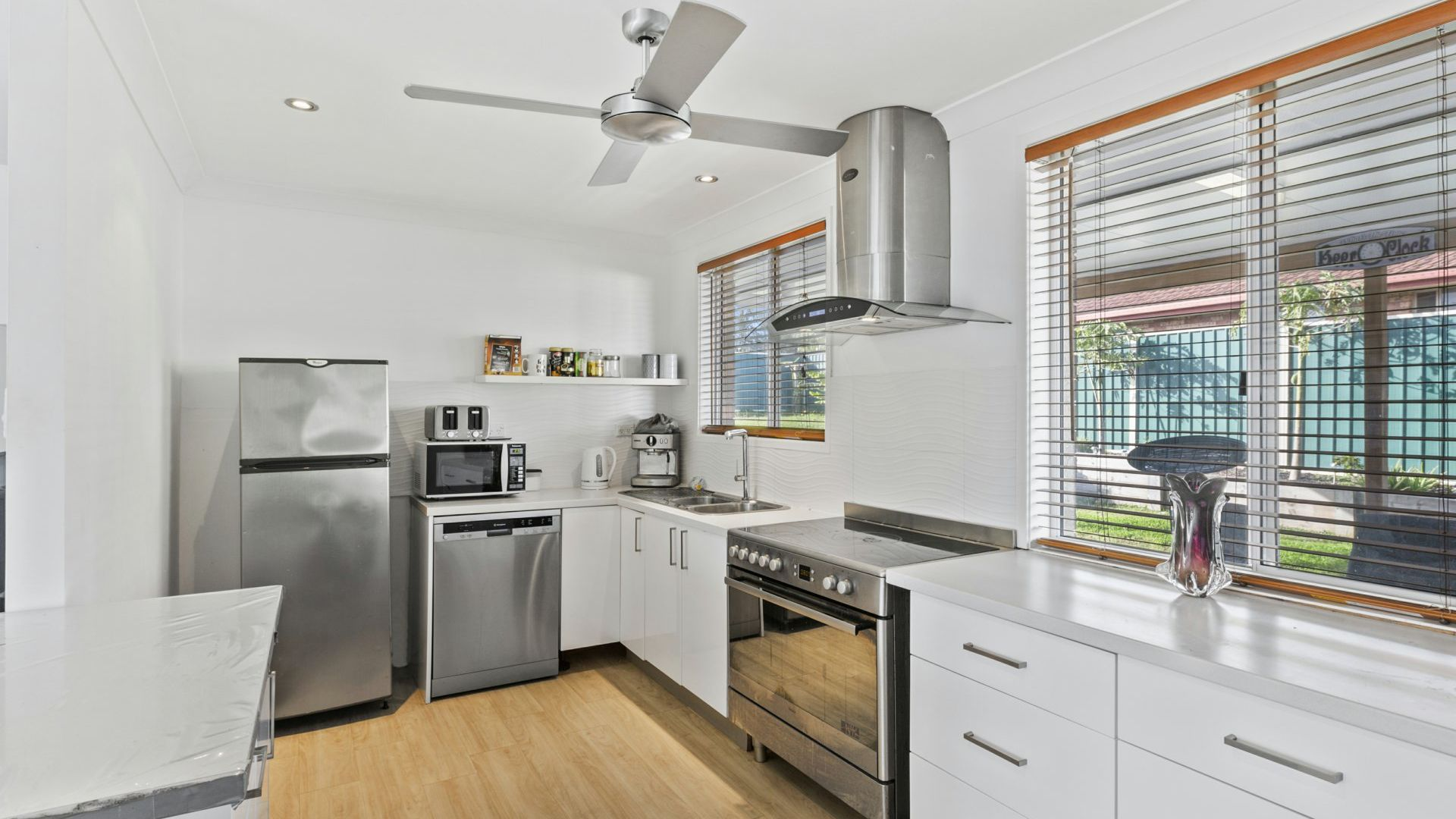 11 Whiteswan Avenue, Blue Haven NSW 2262, Image 1