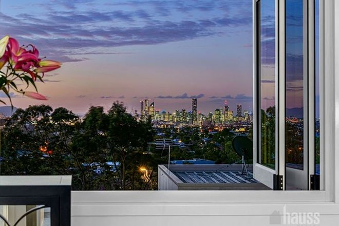 Picture of 3 Harbut Street, HOLLAND PARK WEST QLD 4121