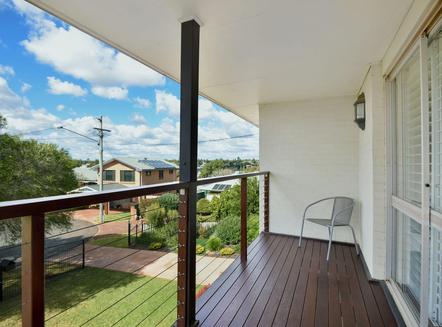 7 Shane Court, Rockville QLD 4350, Image 2