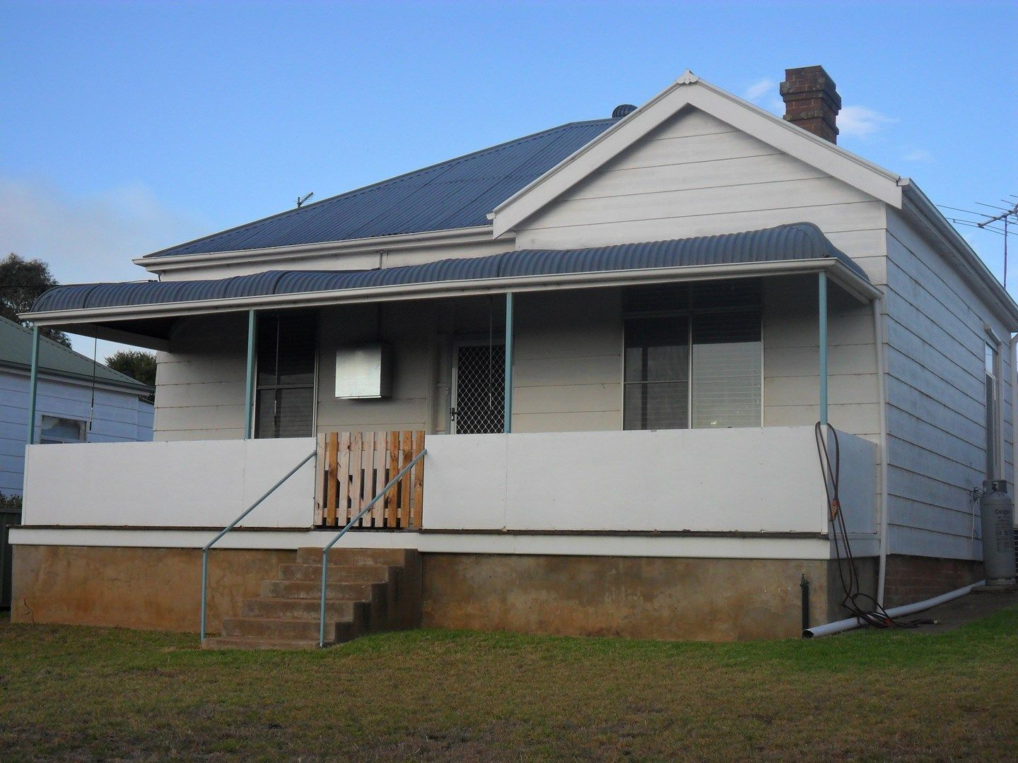 64 East, Harden NSW 2587, Image 0