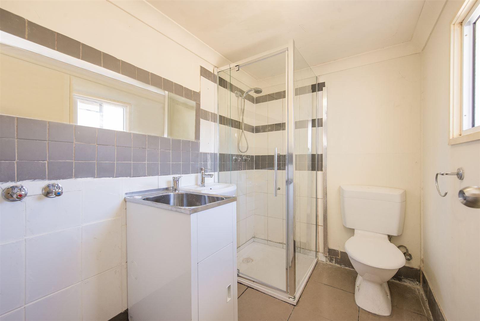 132 Jutland Street, Oxley QLD 4075, Image 2