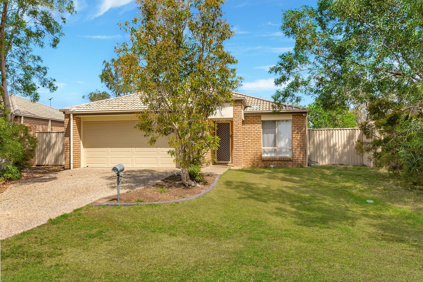 8 Holly Court, Raceview QLD 4305, Image 0