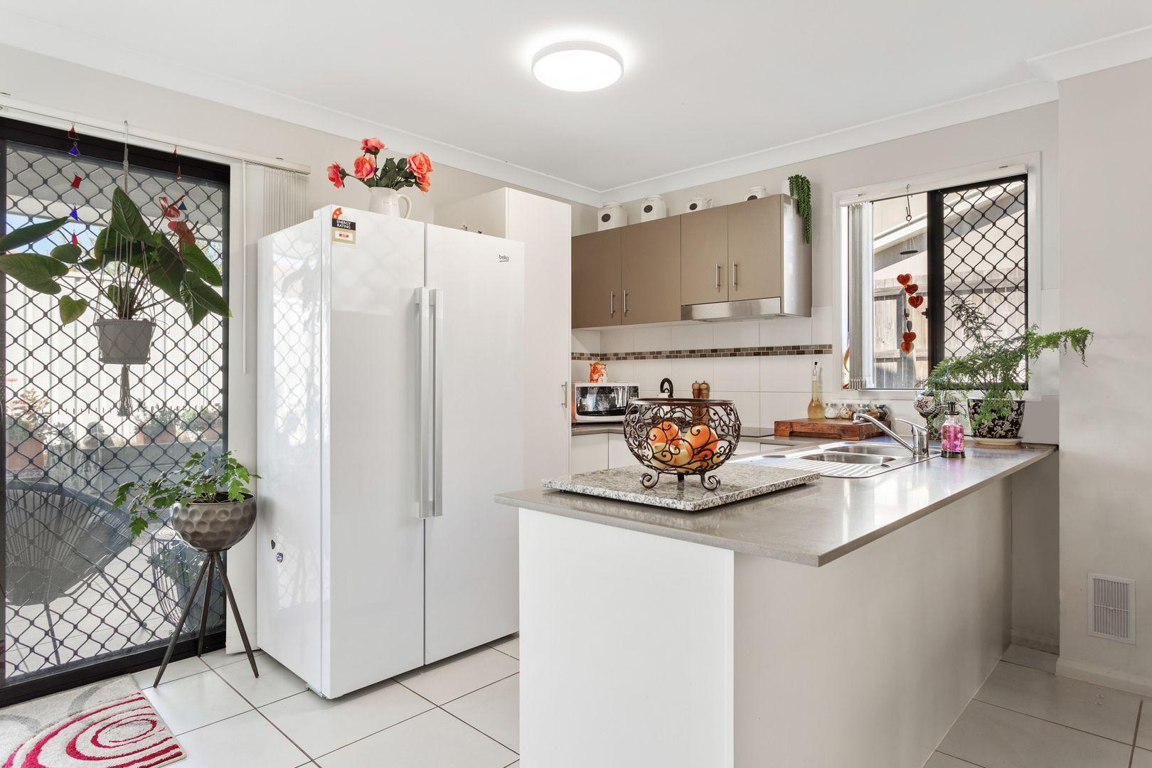 8/24 Avondale Street, Newtown QLD 4350, Image 1