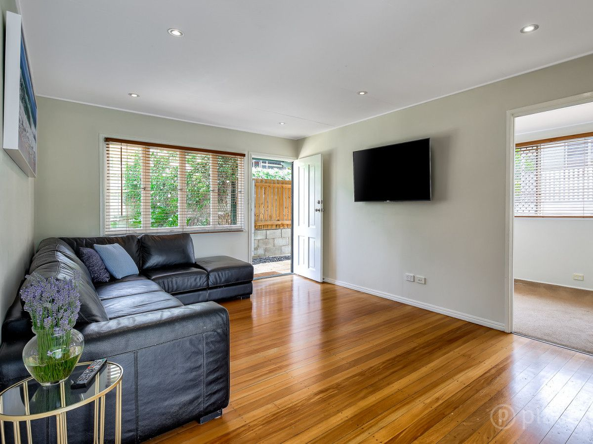 58 Dobbs Street, Holland Park West QLD 4121, Image 1