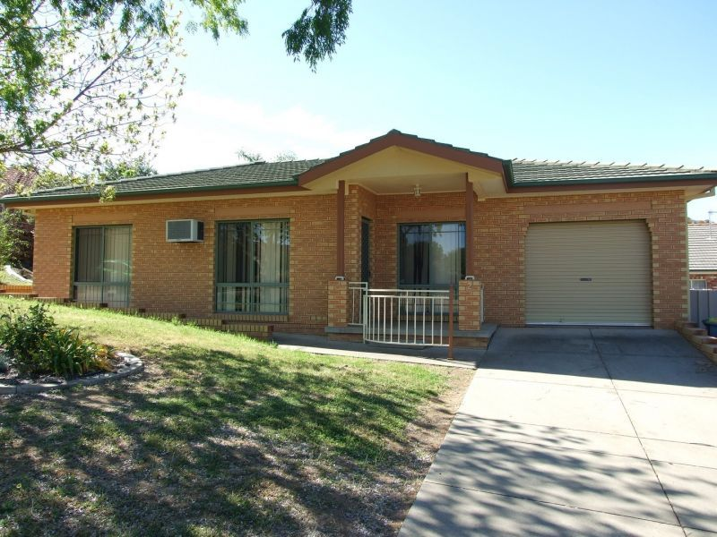 2/1 Nathan Place, Kooringal NSW 2650, Image 0