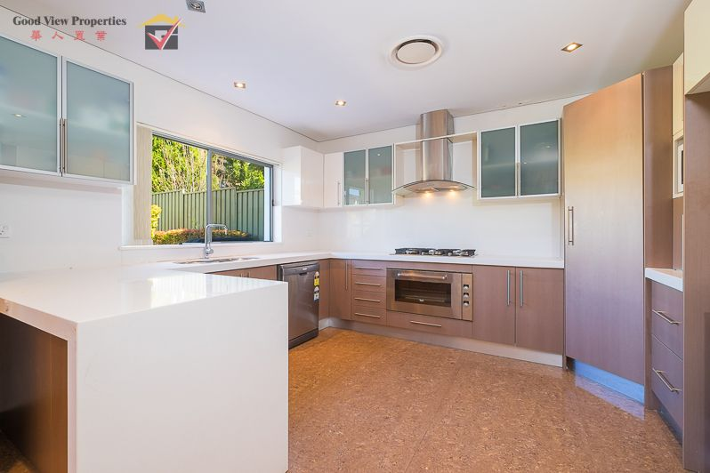 13 Wellington Road, Hurstville NSW 2220, Image 2