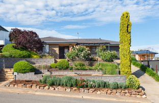 Picture of 7 Warawee Place, Hallett Cove SA 5158