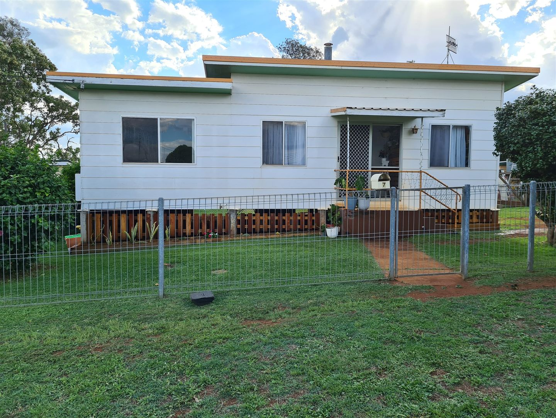 7 Pine St, Yarraman QLD 4614, Image 0