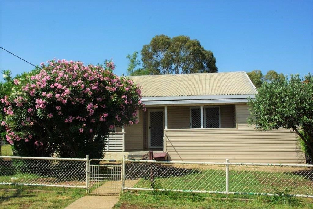 9 Dibbs Street, Wellington NSW 2820, Image 0