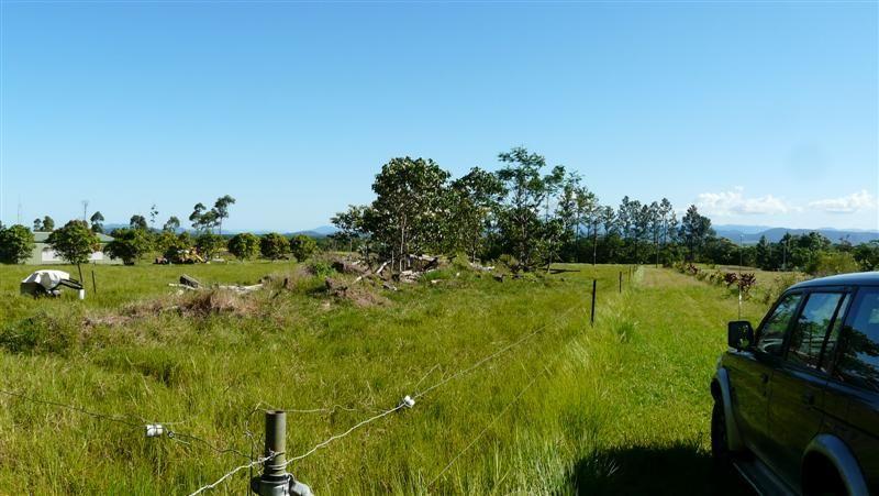32 Mt Leeper Road, MOURILYAN HARBOUR QLD 4858, Image 1