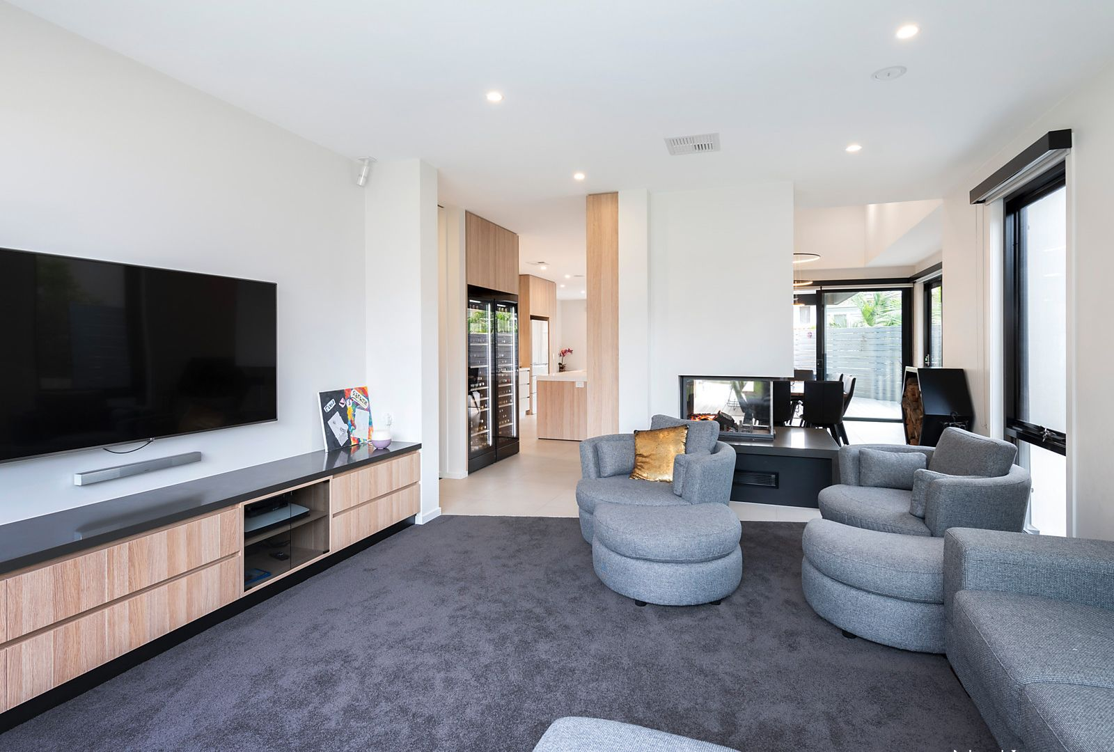 2 Newlands Court, Box Hill South VIC 3128, Image 1