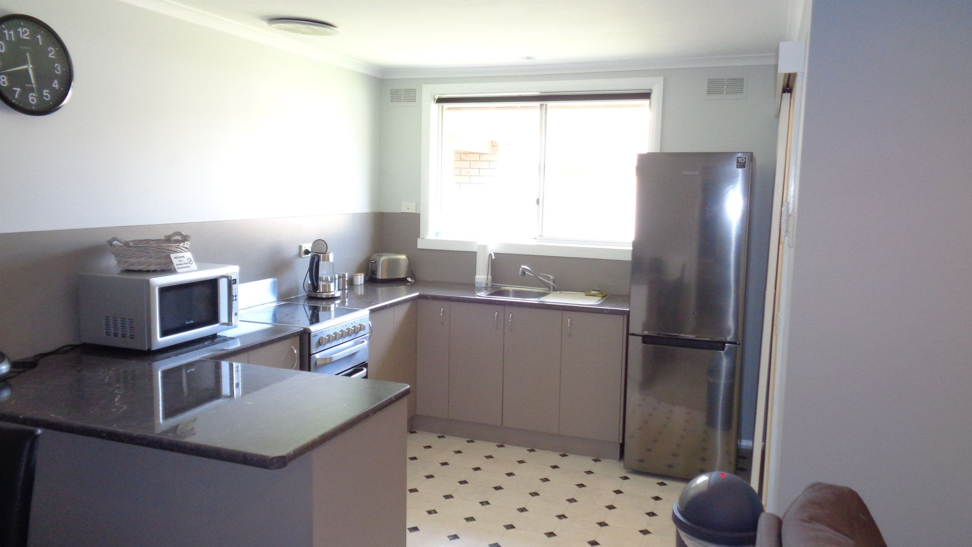 2/9 Priory St, Rochester VIC 3561, Image 1