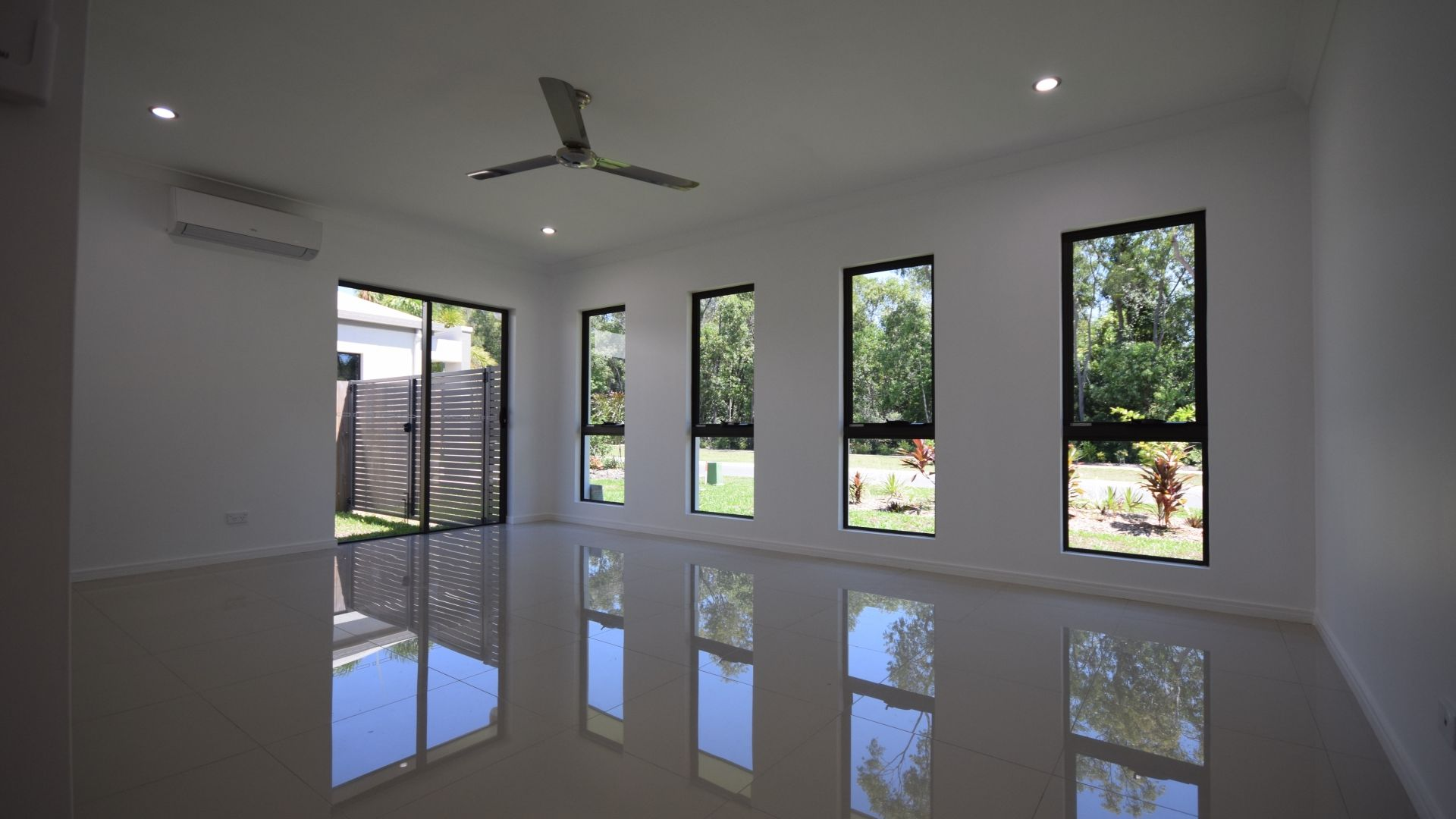 3 Carrington Way, Trinity Park QLD 4879, Image 2