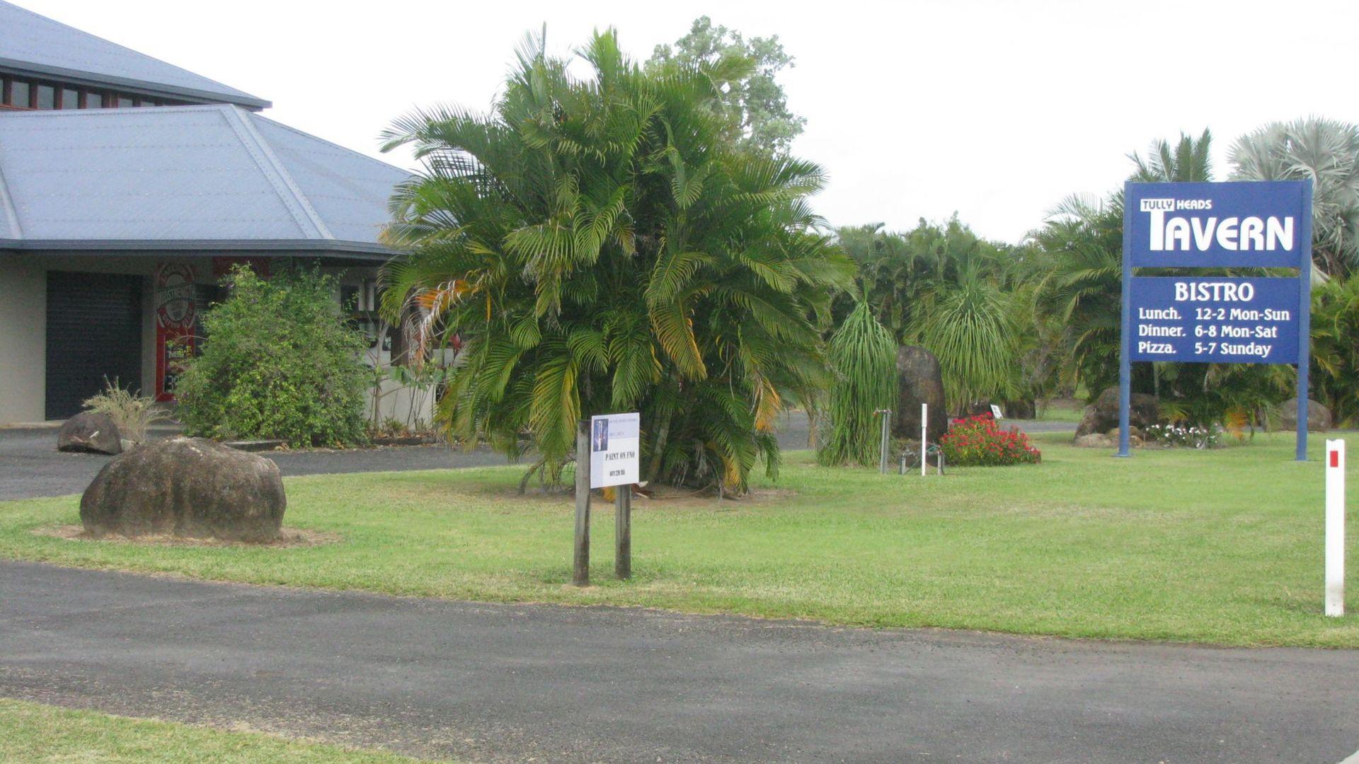 17 Vipiana Drive, Tully Heads QLD 4854, Image 2