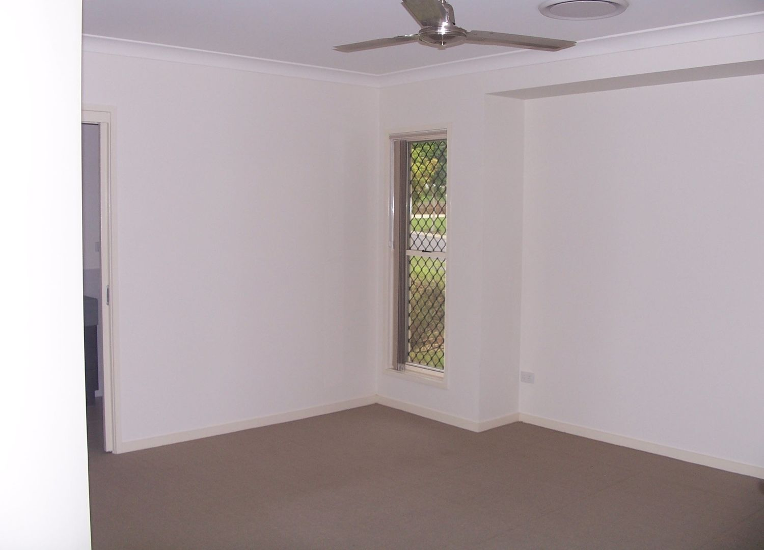 24 Cherrytree Crescent, Upper Caboolture QLD 4510, Image 2