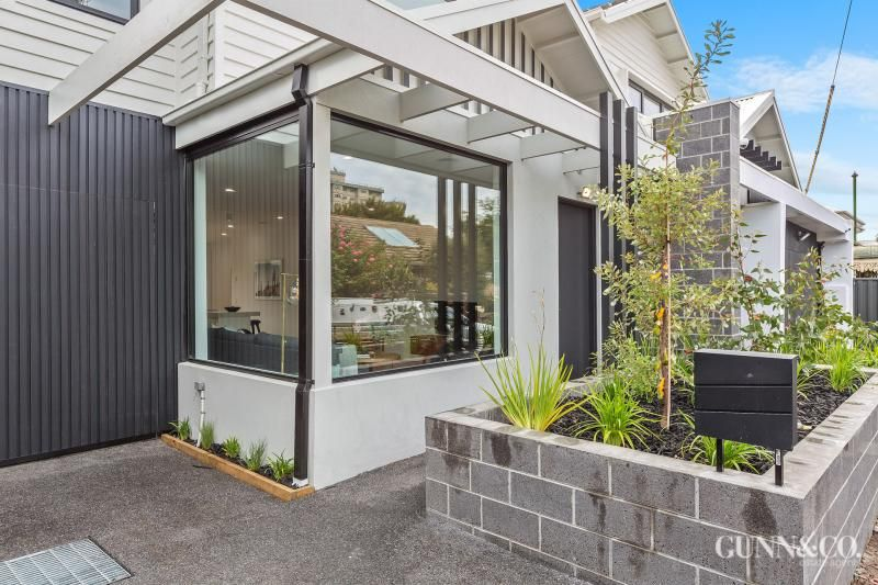 8 Rosseau Street, Williamstown VIC 3016, Image 2