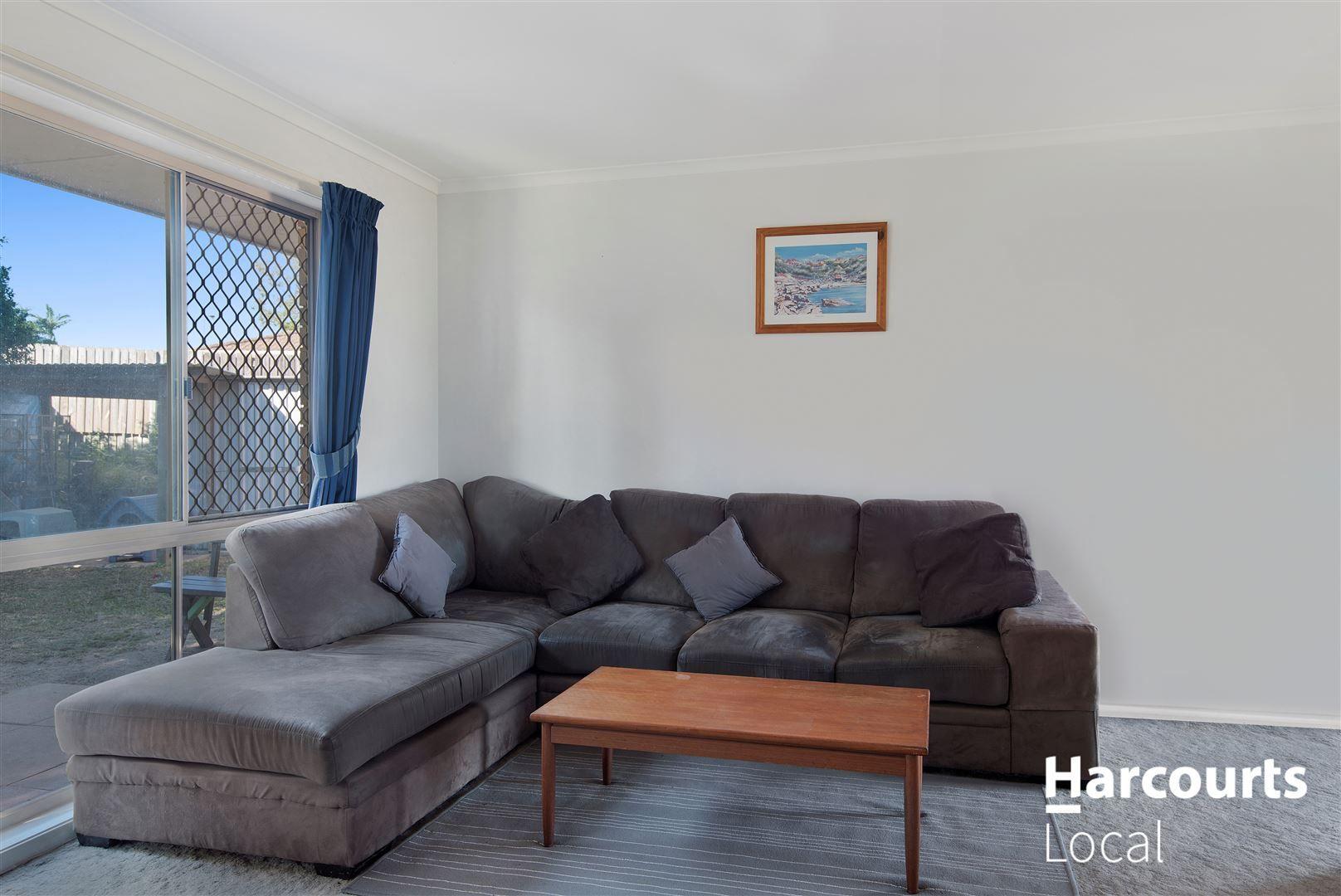16 Sundowner Street, Regents Park QLD 4118, Image 1