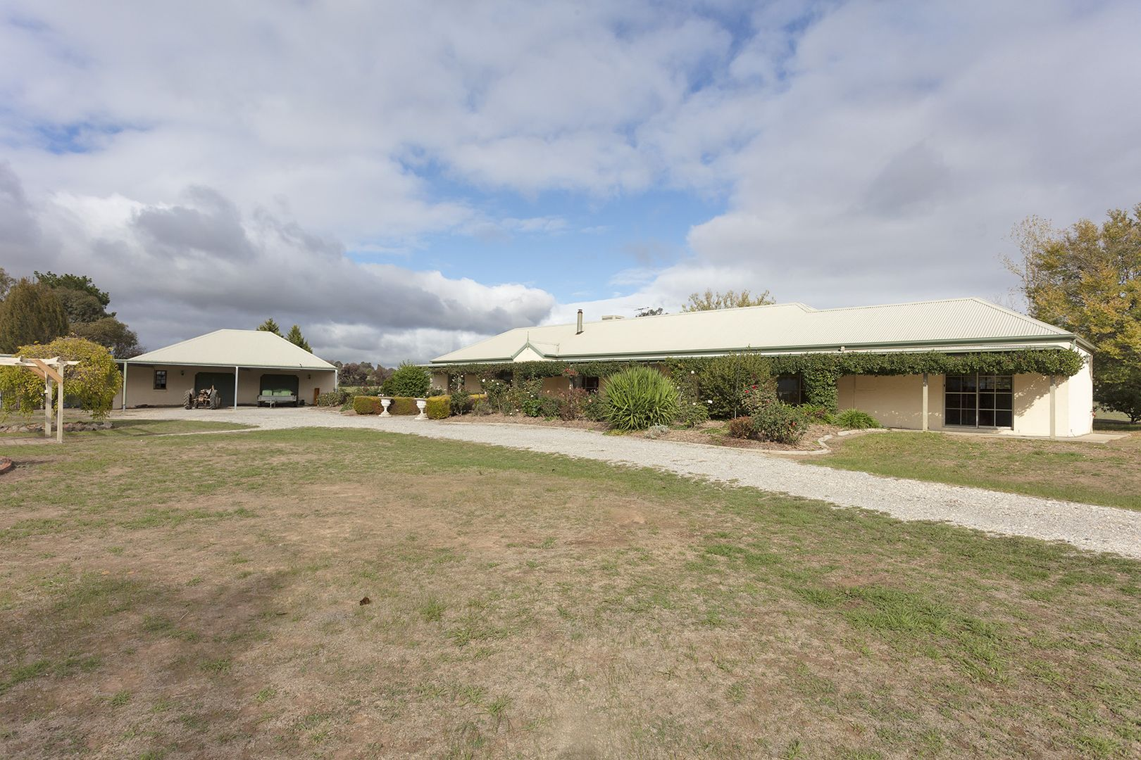 1215 Table Top Road, Table Top NSW 2640, Image 2