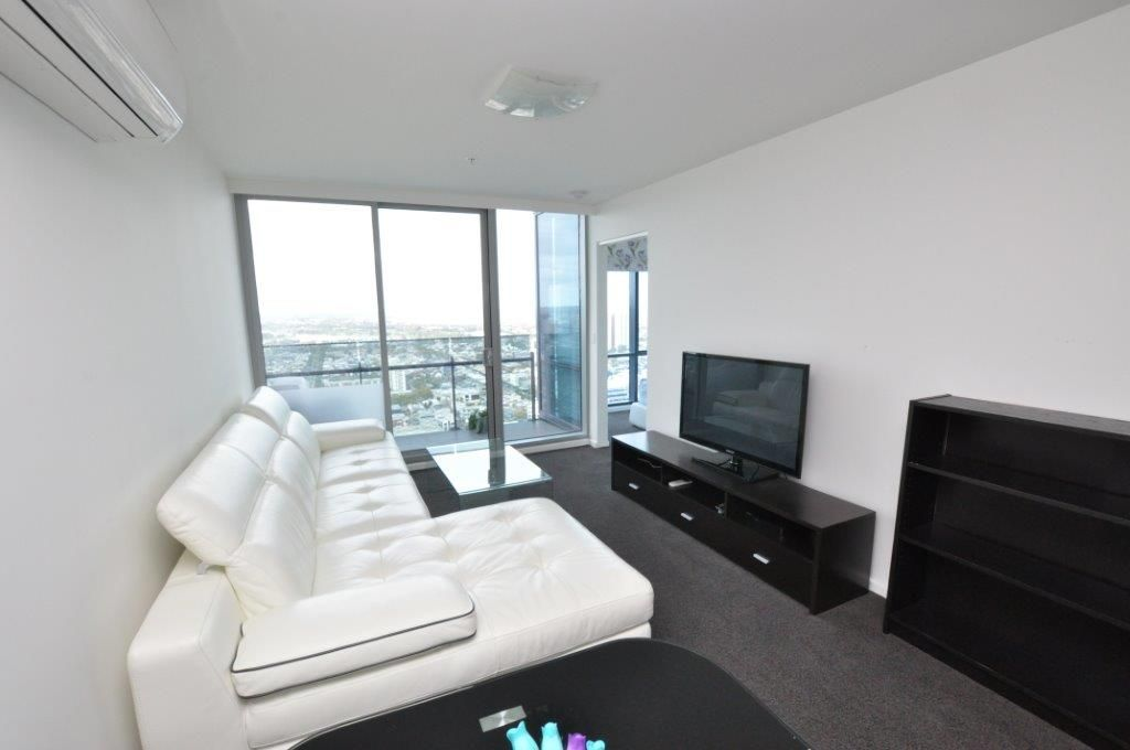 REF 110906/241 City Road, Southbank VIC 3006, Image 2
