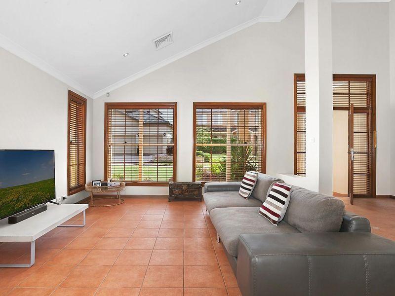 18 Saltbush Place, Bossley Park NSW 2176, Image 1