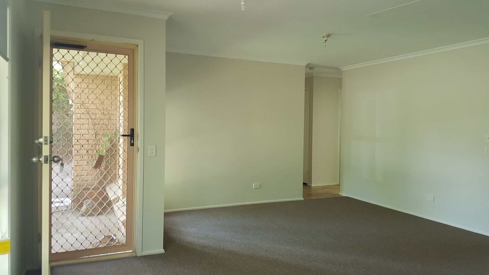13 Gladful  Court, Varsity Lakes QLD 4227, Image 2