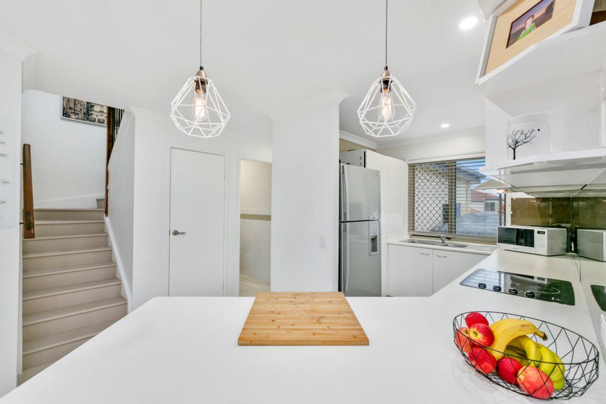 1/3 Kowhai Place, Nerang QLD 4211, Image 2