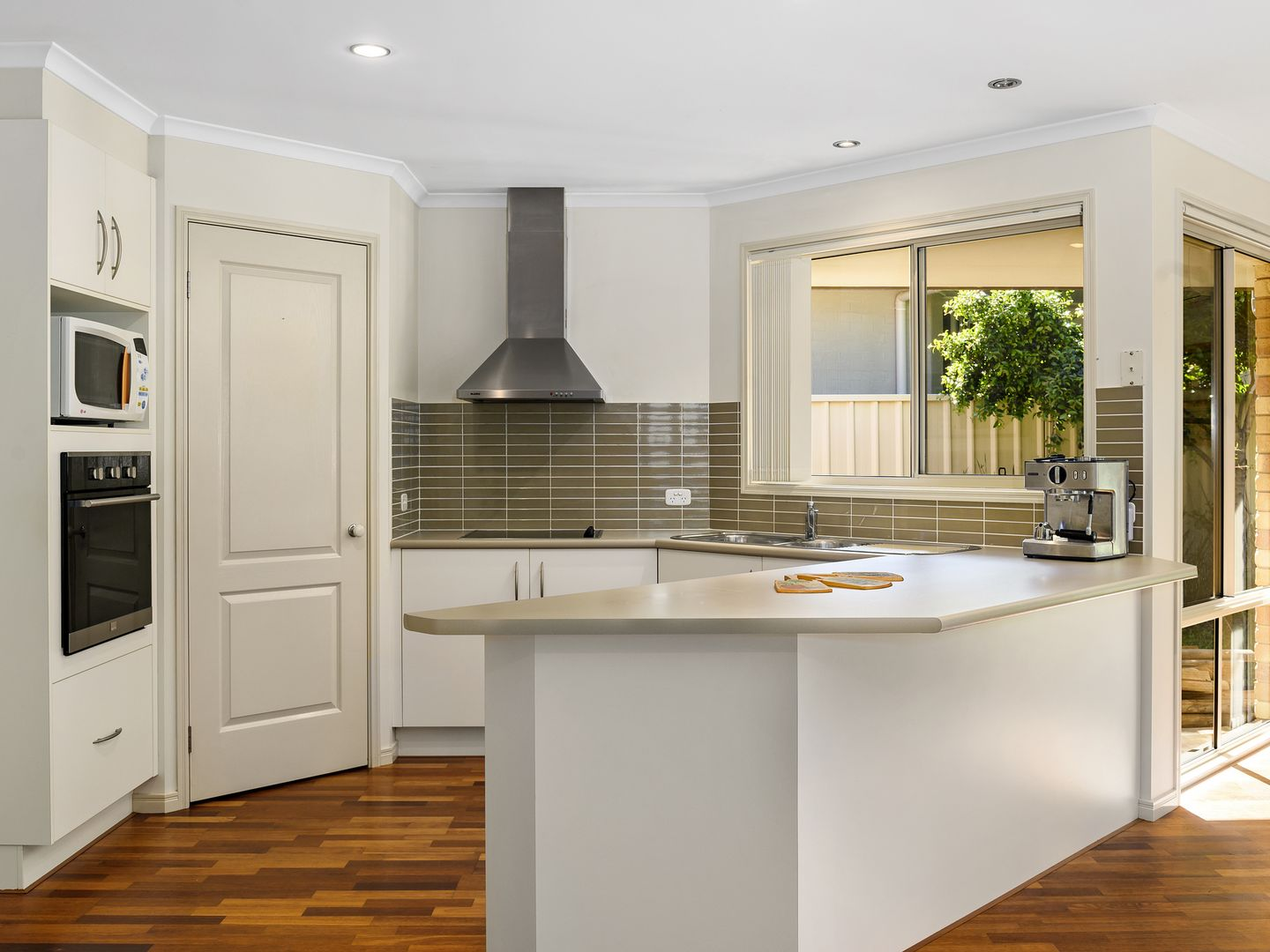 7 Cotswold Close, Coffs Harbour NSW 2450, Image 2
