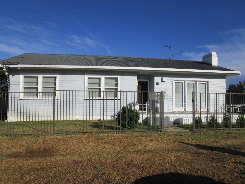 18 Bligh Street, Tamworth NSW 2340, Image 0
