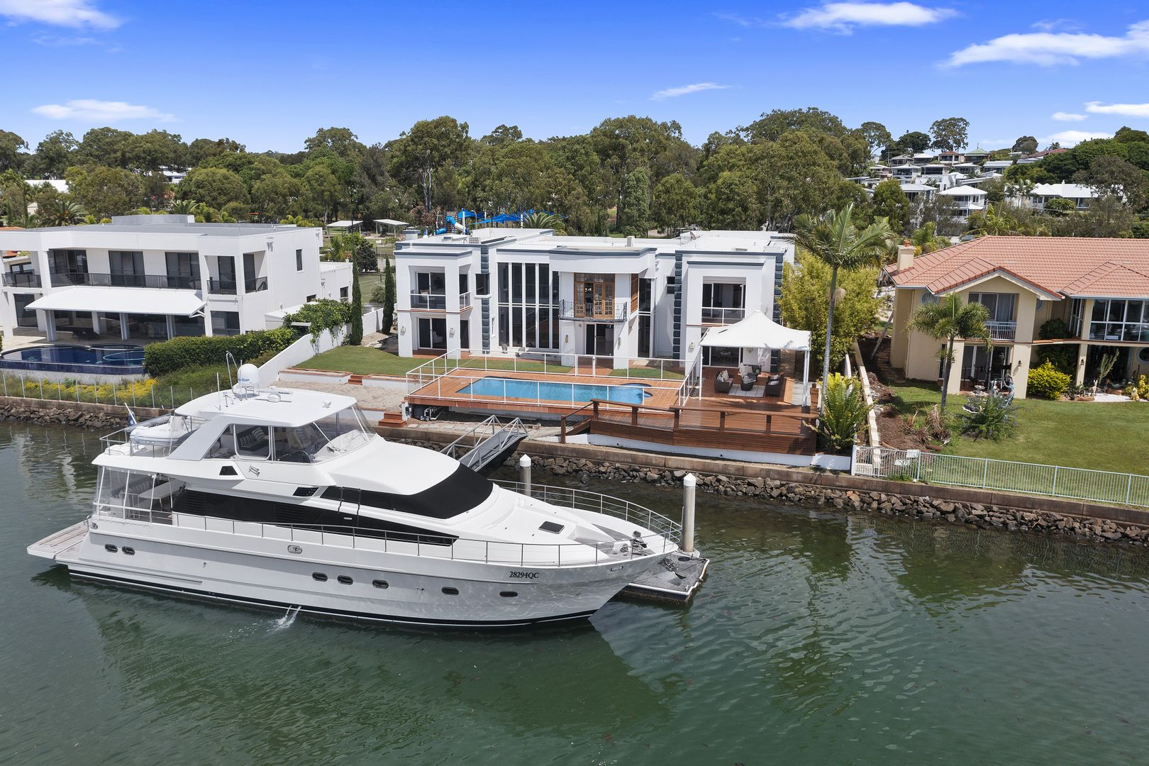 11 Grenoble Place, Raby Bay QLD 4163, Image 0