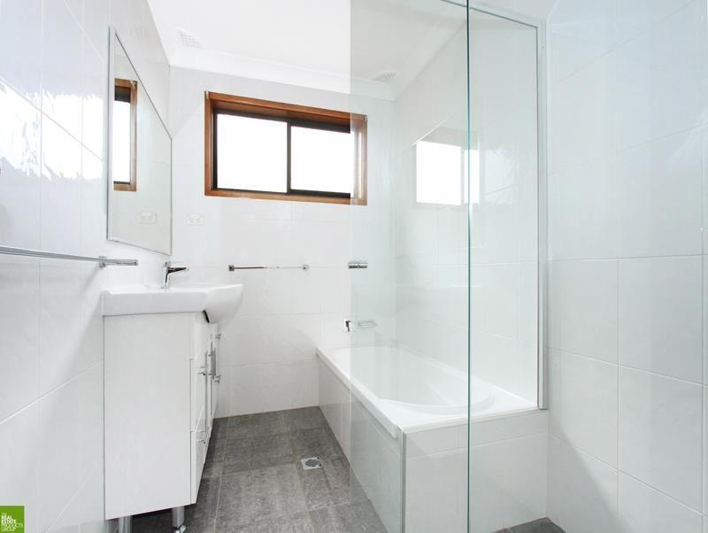18 Binda St, Keiraville NSW 2500, Image 2