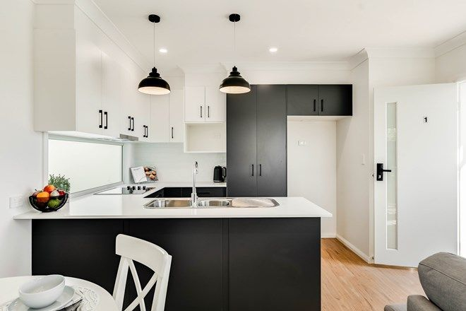 Picture of 1/316 Stenner Street, MIDDLE RIDGE QLD 4350