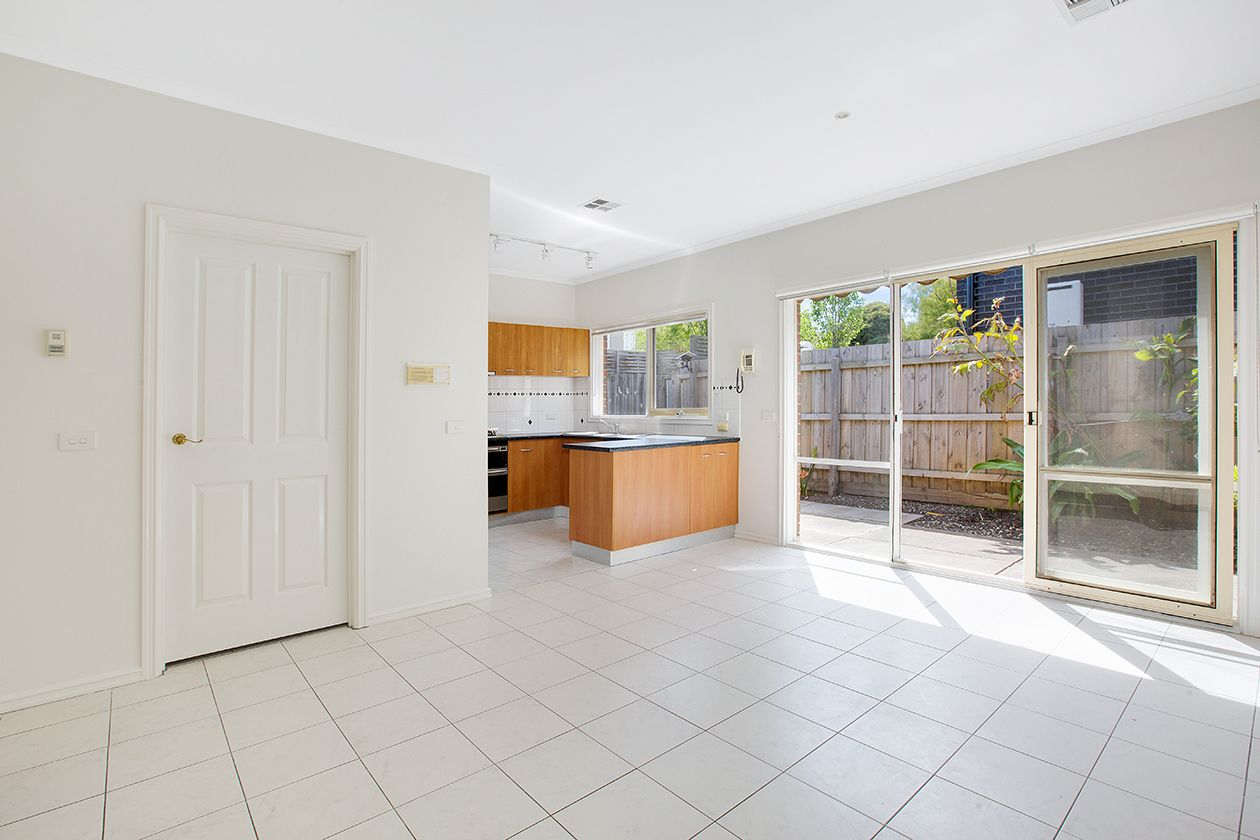2/22 Hawthorn Avenue, Caulfield North VIC 3161, Image 2