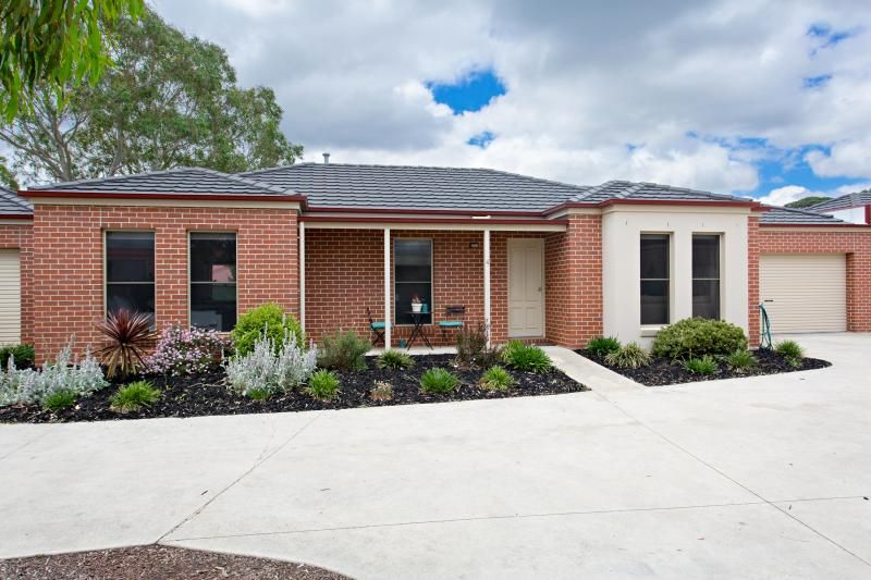 4/14 Rattray Court, Canadian VIC 3350, Image 0