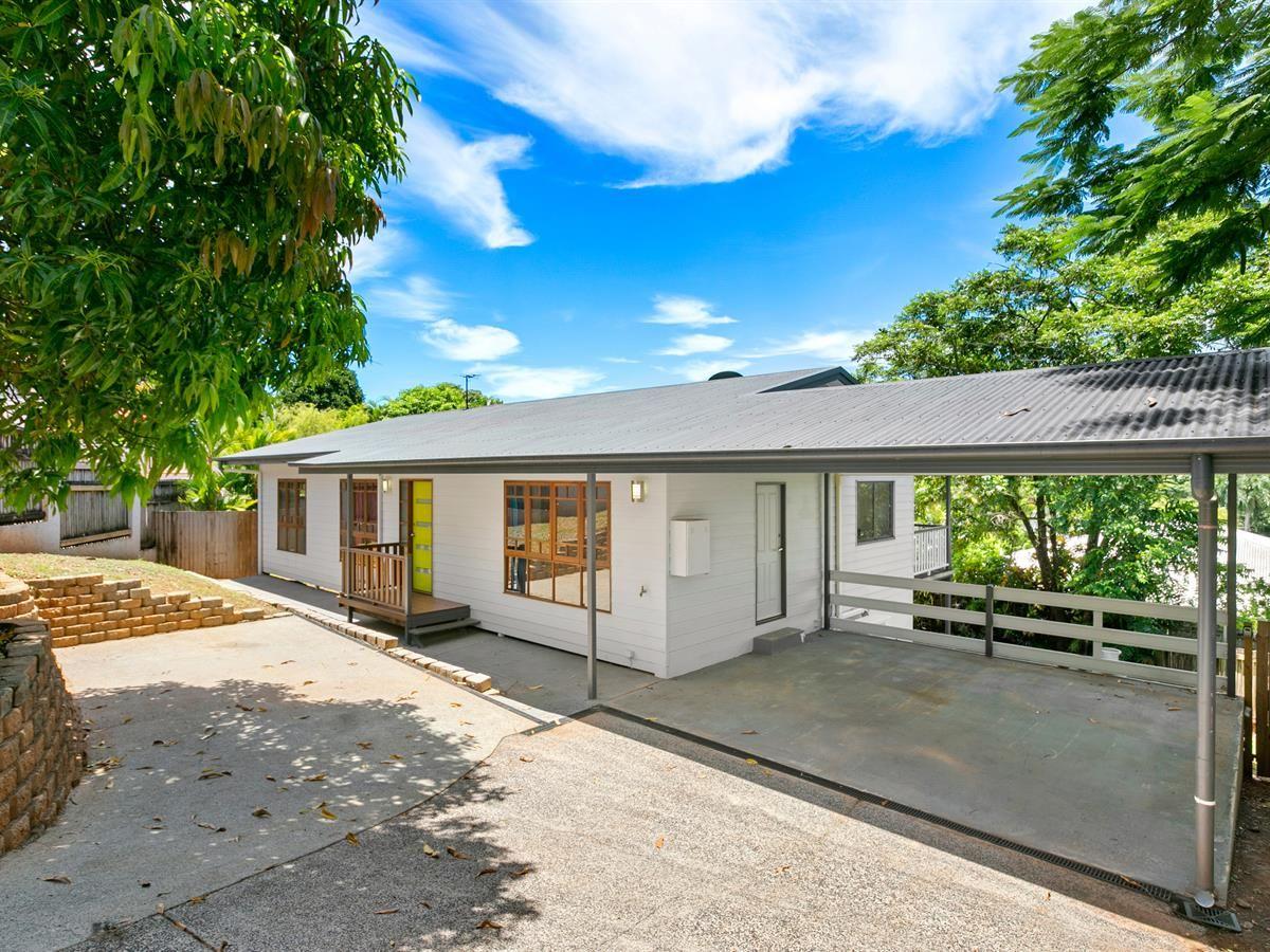 7 Torazzi Place, Mooroobool QLD 4870, Image 0