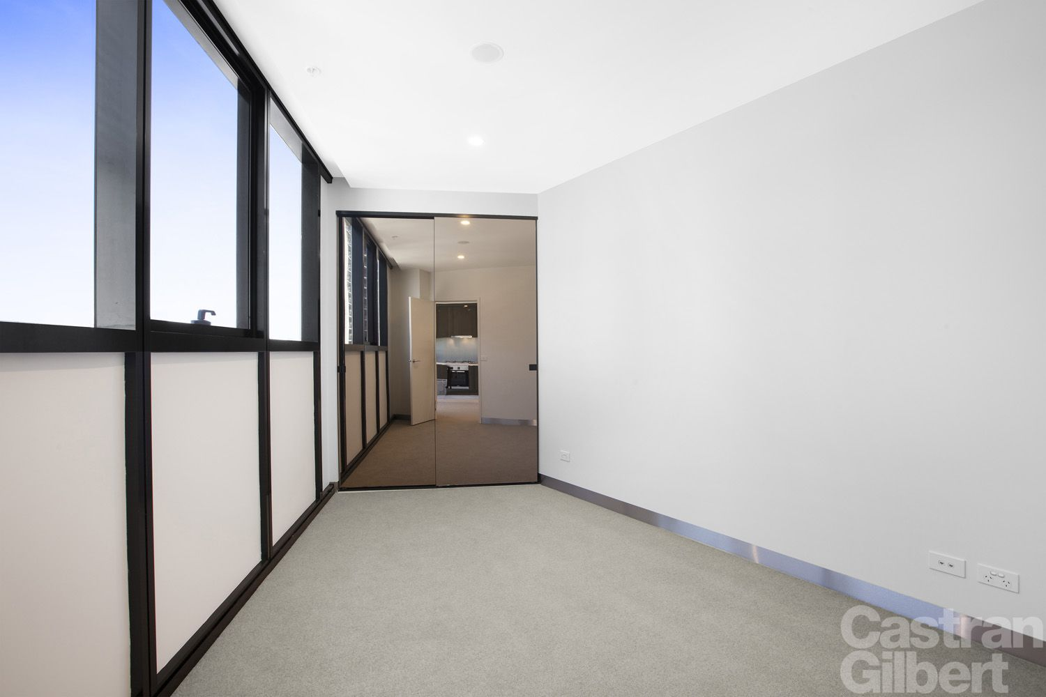 1705/33 Clarke Street, Southbank VIC 3006, Image 2