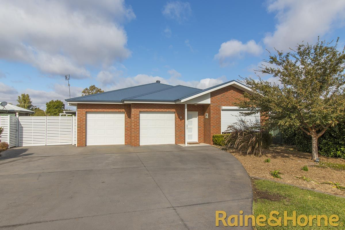 72 Dunheved Circle, Dubbo NSW 2830, Image 0