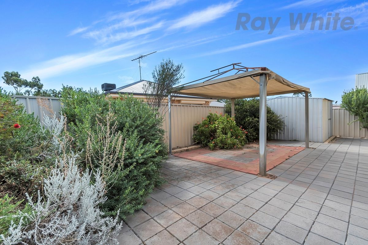 8 Gordon Street, Riverton SA 5412, Image 2