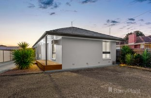 Picture of 1/13 Cowper Avenue, St Albans VIC 3021