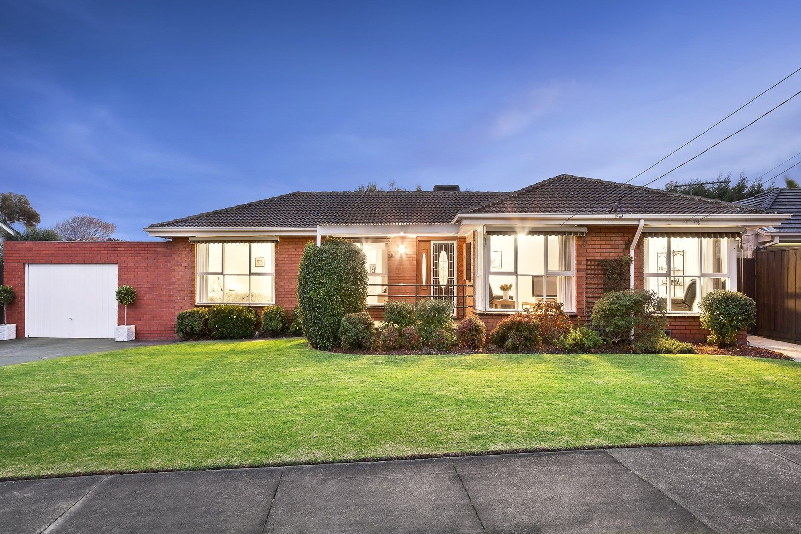 4 Marjorie Avenue, Dingley Village VIC 3172, Image 0